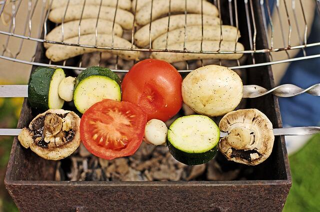 Garden-Spies-Charcoal-Food-Barbecue-Grill-Sausage-1340232.jpg